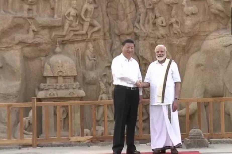 ಮಹಾಬಲಿಪುರಂನ ಪಂಚರಥ ವೀಕ್ಷಿಸುತ್ತಿರುವ ಪ್ರಧಾನಿ ಮೋದಿ- ಚೀನಾ ಅಧ್ಯಕ್ಷ ಕ್ಸಿ ಜಿನ್ಪಿಂಗ್