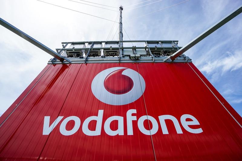 (4) ಇದಲ್ಲದೆ ವೊಡಾಫೋನ್ ಪ್ಲೇನ (Vodafone Play) ಒಂದು ವರ್ಷದ ಸದಸ್ಯತ್ವ ಲಭ್ಯವಿರಲಿದೆ.