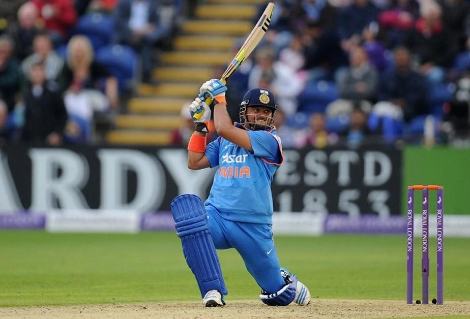 ಜುಲೈ 2005ರಲ್ಲಿ ಶ್ರೀಲಂಕಾ ತಂಡದ ವಿರುದ್ಧ ಏಕದಿನ ಅಂತಾರಾಷ್ಟ್ರೀಯ ಪಂದ್ಯದಲ್ಲಿ ಆಡುವ ಮೂಲಕ ಇಂಟರ್ನ್ಯಾಷನಲ್ ಕ್ರಿಕೆಟ್ಗೆ ಇವರು ಕಾಲಿಟ್ಟರು. ಆಗ ರೈನಾಗೆ 19 ವರ್ಷ.
