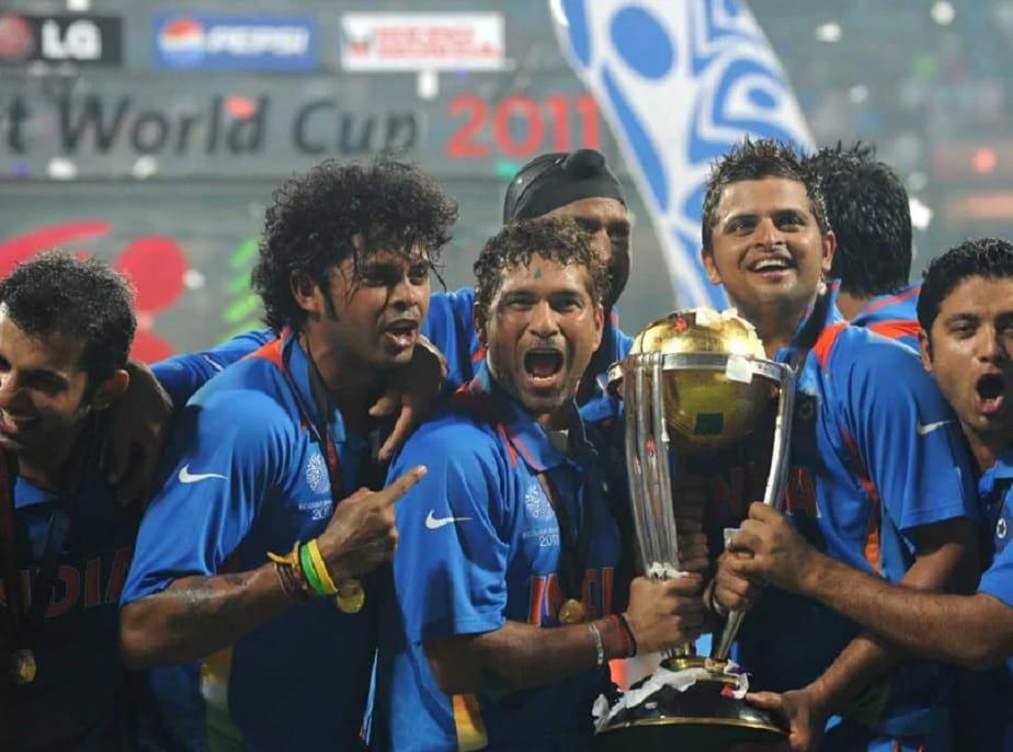 2011ರಲ್ಲಿ ಭಾರತ ವಿಶ್ವಕಪ್ ಕ್ರಿಕೆಟ್ ಗೆದ್ದಾಗ ಭಾರತೀಯ ತಂಡದಲ್ಲಿ ಸುರೇಶ್ ರೈನಾ ಸಹ ಪ್ರಮುಖ ಆಟಗಾರರಾಗಿದ್ದರು.