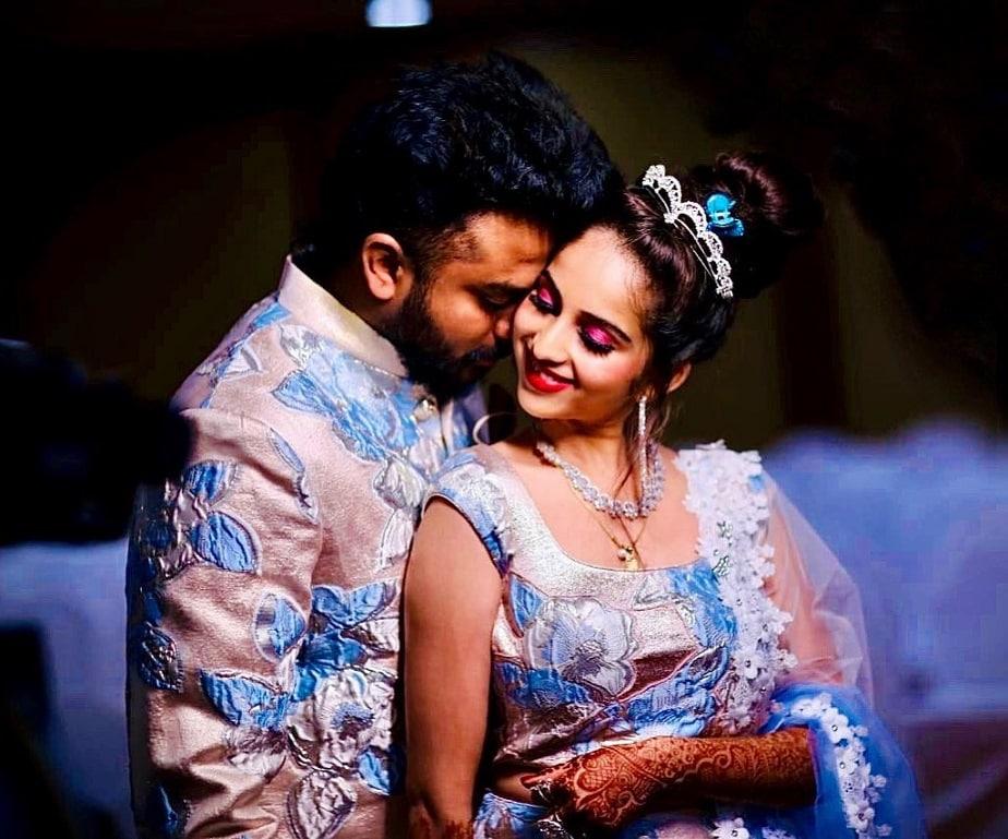 'ಬಿಗ್ ಬಾಸ್ 5' ವಿನ್ನರ್ ಹಾಗೂ ಗಾಯಕ ಚಂದನ್ ಶೆಟ್ಟಿ ಹಾಗೂ ಬಿಗ್ ಬಾಸ್ 5 ಸ್ಪರ್ಧಿ ನಿವೇದಿತಾ ಗೌಡ ಅಕ್ಟೋಬರ್ 21ರಂದು ನಿಶ್ಚಿತಾರ್ಥ ಮಾಡಿಕೊಂಡಿದ್ದರು.