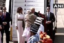 Namaste Trump: ಆತ್ಮೀಯ ಅಪ್ಪುಗೆ ಮೂಲಕ ಅಮೆರಿಕ ಅಧ್ಯಕ್ಷ ಟ್ರಂಪ್ ಸ್ವಾಗತಿಸಿದ ಪ್ರಧಾನಿ ಮೋದಿ