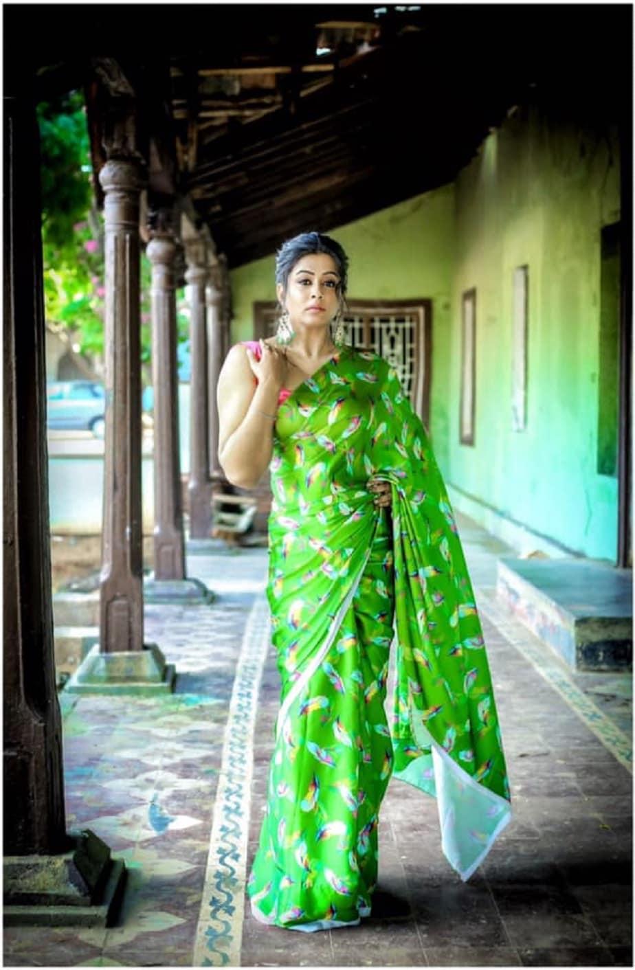 ಶಾರುಖ್ ಖಾನ್ ಮತ್ತು ದೀಪಿಕಾ ಪಡುಕೋಣೆ ಜೋಡಿಯ 'ಚೆನ್ನೈ ಎಕ್ಸ್ಪ್ರೆಸ್' ಚಿತ್ರದಲ್ಲಿ ವಿಶೇಷ ಹಾಡಿನಲ್ಲಿ ಕಾಣಿಸಿಕೊಂಡಿದ್ದರು.