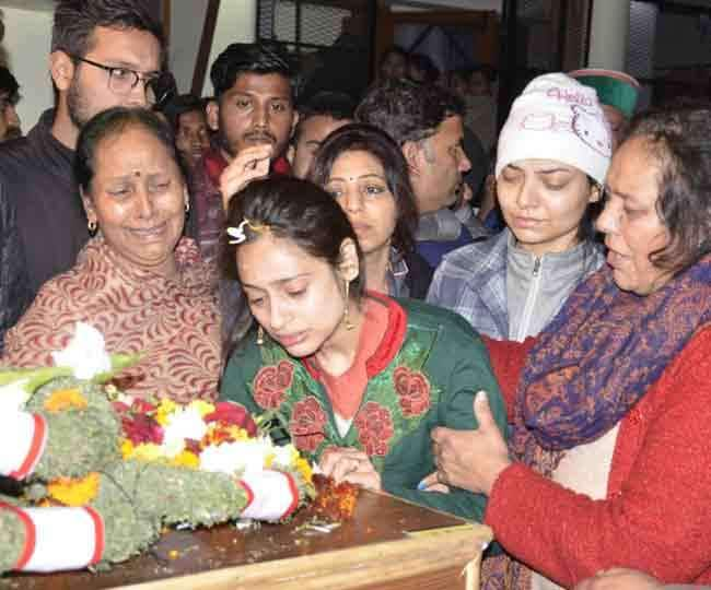 Love Story of Indian Sodier Pulwama attack after Major Vibhuti shankar Dhoundiyal Death his Wife Nitika Kaul joined Army