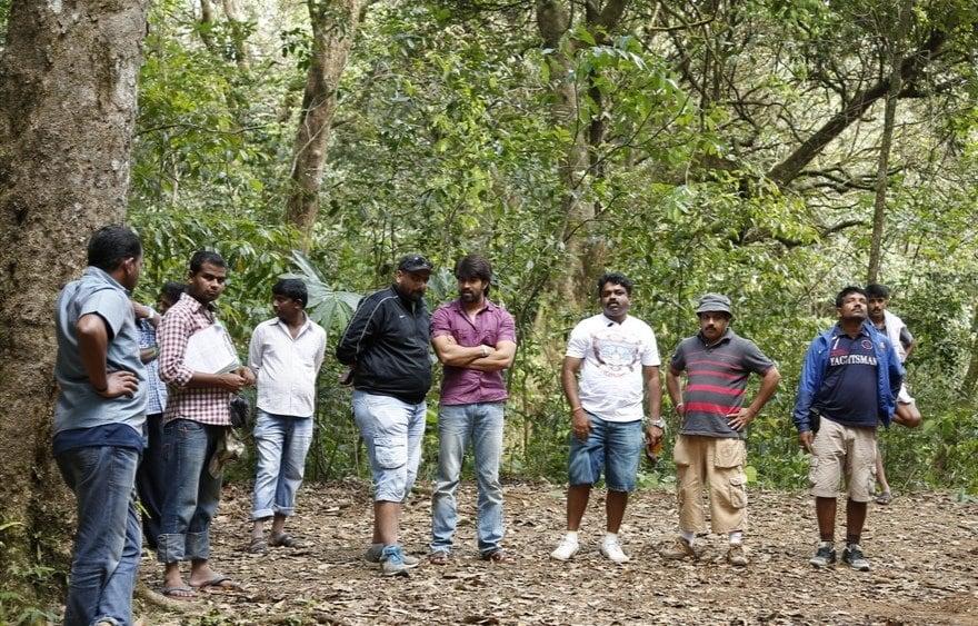 'ಗಜಕೇಸರಿ' ಸಿನಿಮಾದಲ್ಲಿ ಸೆಟ್ನಲ್ಲಿ ತೆಗೆದ ಚಿತ್ರ