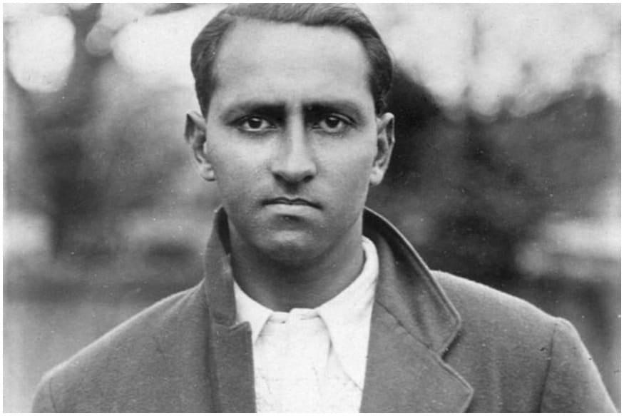 ದುಲೀಪ್ ಸಸೆಕ್ಸ್ ಪರವಾಗಿ ಕಣಕ್ಕಿಳಿಯಲಾರಂಭಿಸಿದರು. ಅವುಗಳಲ್ಲಿ ಅತ್ಯಂತ ವಿಶೇಷವಾದದ್ದು ಮೇ 7, 1930 ರಂದು ಹೋವ್ ಮೈದಾನದಲ್ಲಿ ನಡೆದ ಪಂದ್ಯ. ನಾರ್ಥಾಂಟ್ಸ್ ಕ್ಲಬ್ ವಿರುದ್ಧದ ಈ ಪಂದ್ಯದ ಮೂಲಕ ಹೊಸ ಇತಿಹಾಸ ರಚಿಸಿದ್ದರು ಭಾರತೀಯ ಕ್ರಿಕೆಟಿಗ.