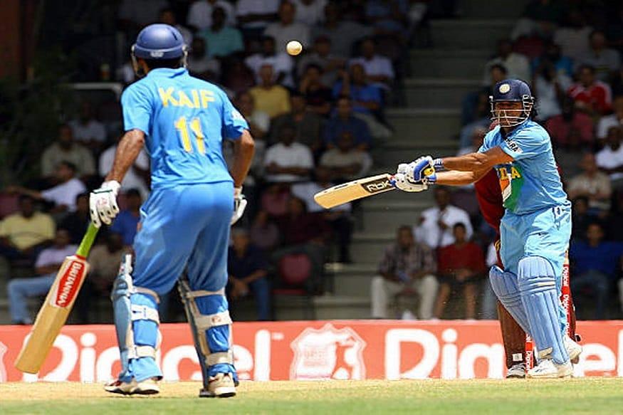 2013ರ ಜುಲೈ 23ರಂದು ಇಂಗ್ಲೆಂಡ್ ವಿರುದ್ಧ 5 ರನ್ಗಳಿಂದ ಗೆಲುವು ಸಾಧಿಸುವ ಮೂಲಕ ಟೀಮ್ ಇಂಡಿಯಾ ಐಸಿಸಿ ಚಾಂಪಿಯನ್ ಟ್ರೋಫಿಯನ್ನು ಮುಡಿಗೇರಿಸಿಕೊಂಡಿದ್ದರು.