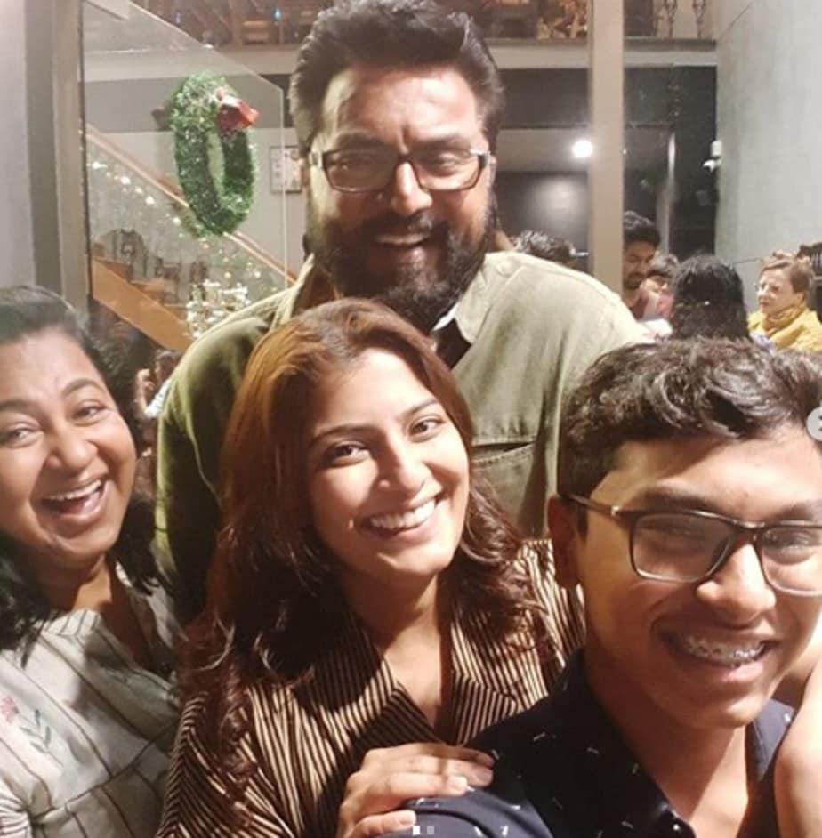 ಪತ್ನಿ ರಾಧಿಕಾ ಹಾಗೂ ಮಕ್ಕಳೊಂದಿಗೆ ಶರತ್ ಕುಮಾರ್