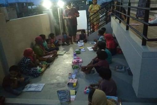 ಮನೆ ಮನೆಗೆ ಹೋಗಿ ಮಕ್ಕಳಿಗೆ ಪಾಠ ಮಾಡುತ್ತಿರುವ ಶಿಕ್ಷಕರು