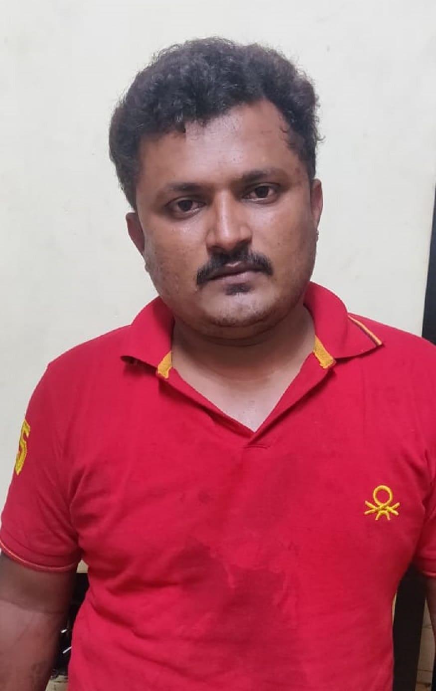 Bangalore Man Murders his Wife on Road Bengaluru Police Arrested Killer