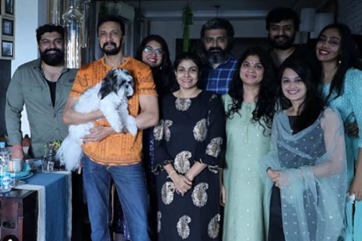 Sudeep And Priya celebrated Ganesha Festival at Hyderabad with Phantom team