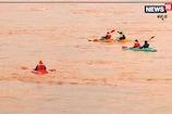 ಮಳೆ ಅಬ್ಬರದಲ್ಲಿಯೇ ತುಂಗಾ ನದಿಯಲ್ಲಿ ರಿವರ್ ರ್ಯಾಪ್ಟಿಂಗ್; ಗಮನ ಸೆಳೆದ ಯುವಕರ ಸಾಹಸ