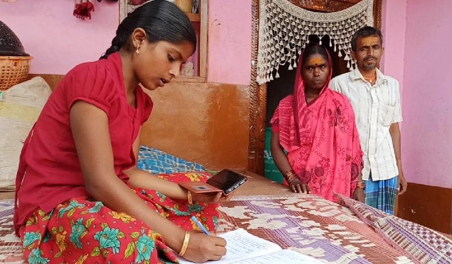ಕ್ಷೇತ್ರದ ಶಾಸಕ, ವಿಪಕ್ಷ ನಾಯಕ ಸಿದ್ದರಾಮಯ್ಯ ಕೊರೋನಾ ಸಂದರ್ಭದಲ್ಲಿ ಬಡ ವಿದ್ಯಾರ್ಥಿಗಳ ಶಿಕ್ಷಣಕ್ಕೆ ನೆರವು ನೀಡಬೇಕೆಂದು ಮನವಿ ಮಾಡಿಕೊಂಡಿದ್ದಾರೆ
