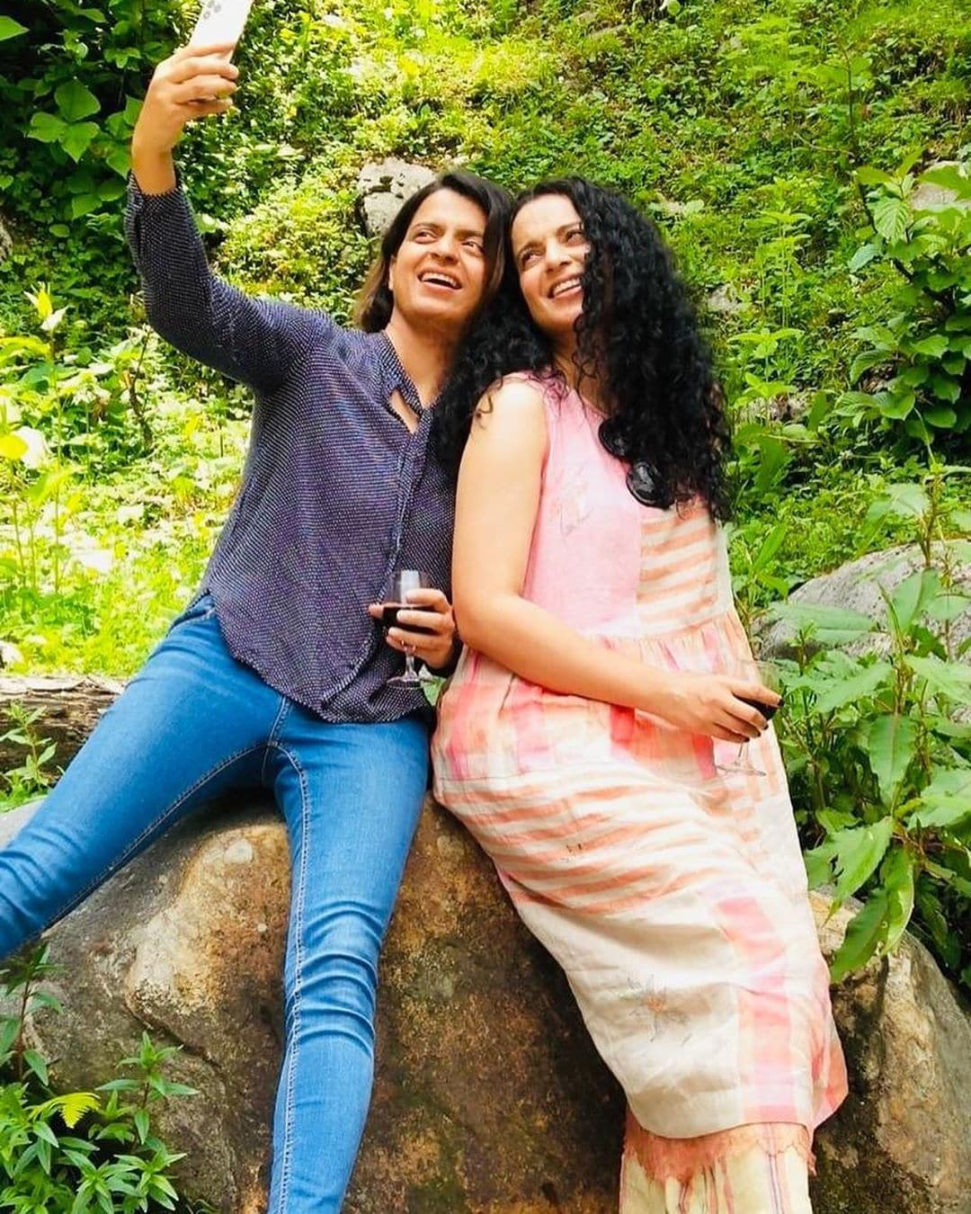 ಕುಟುಂಬದೊಂದಿಗೆ ಎಂಜಾಯ್ ಮಾಡುತ್ತಿರುವ ಕಂಗನಾ ರನೌತ್