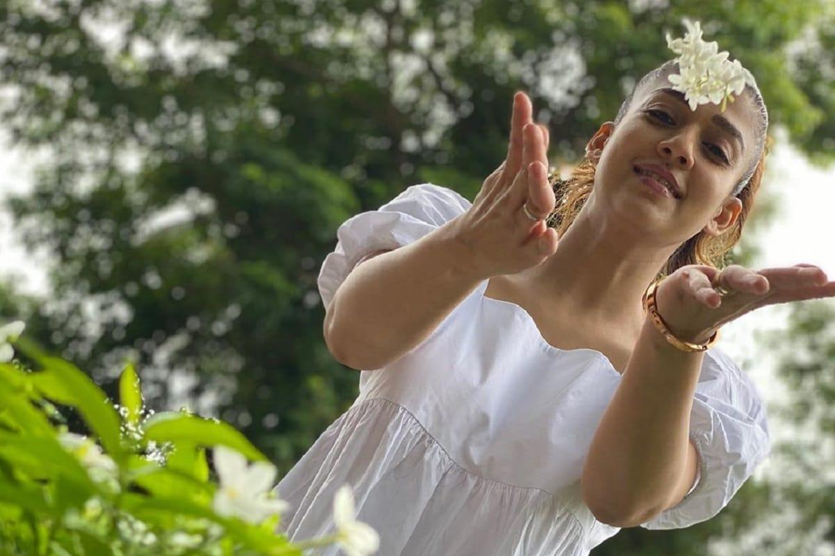 ಕೊರೋನಾ ಲಾಕ್ಡೌನ್ನಿಂದಾಗಿ ಮನೆಯಲ್ಲೇ ಇದ್ದ ಸೆಲೆಬ್ರಿಟಿಗಳು ಮೆಲ್ಲನೆ ಮನೆಗಳಿಂದ ಹೊರ ಬರುತ್ತಿದ್ದಾರೆ. ಇದಕ್ಕೆ ನಯನತಾರಾ ಸಹ ಹೊರತಾಗಿಲ್ಲ.