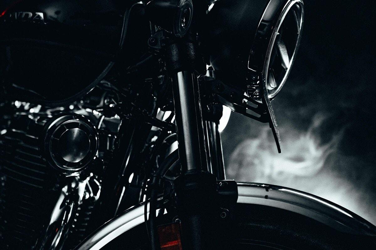 ಹೋಂಡಾ ಹೈನೆಸ್-ಸಿಬಿ350 ಬೈಕ್ ಆಕರ್ಷಕ ಲುಕ್ ಹೊಂದಿದ್ದು, 1.85 ಲಕ್ಷ ರೂ ಗೆ ಮಾರಾಟ ಮಾಡುತ್ತಿದೆ.
