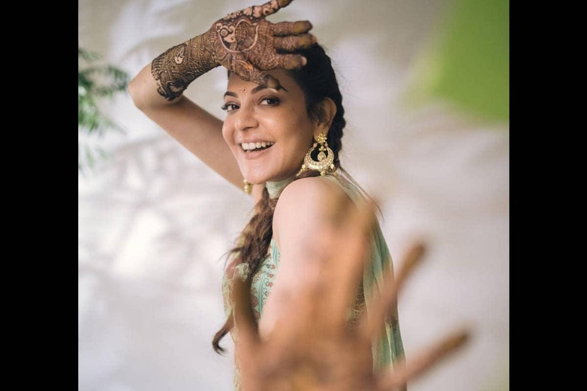 ನಟಿ ಕಾಜಲ್ ಅಗರ್ವಾಲ್ ನಾಳೆ (ಅಕ್ಟೋಬರ್ 30) ಮುಂಬೈನಲ್ಲಿ ಮದುವೆ ಆಗುತ್ತಿದ್ದಾರೆ. ಮದುವೆಗೂ ಮೊದಲು ನಡೆಯುವ ಮೆಹೆಂದಿ ಶಾಸ್ತ್ರದ ಫೋಟೋಗಳನ್ನು ಅವರು ಹಂಚಿಕೊಂಡಿದ್ದಾರೆ.
