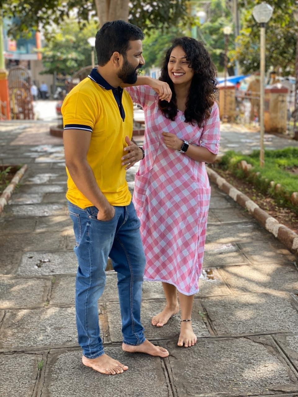 ವಿಜಯ್ ಪ್ರಸಾದ್ ಅವರ ನಿರ್ದೇಶನ ನೀರ್ ದೋಸೆ ಸಿನಿಮಾದಲ್ಲಿ ಹರಿಪ್ರಿಯಾ ನಟಿಸಿದ್ದಾರೆ.
