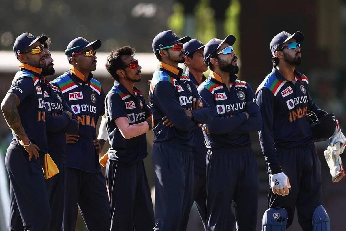 ಈ ಪಂದ್ಯದ ಮೂಲಕ ಕೊಹ್ಲಿ 250ನೇ ಅಂತರಾಷ್ಟ್ರೀಯ ಏಕದಿನ ಪಂದ್ಯವನ್ನಾಡಿದ್ದು, ಈ ಸಾಧನೆಗೈದ 8ನೇ ಭಾರತೀಯ ಕ್ರಿಕೆಟಿಗ ಎನಿಸಿಕೊಂಡಿದ್ದಾರೆ.