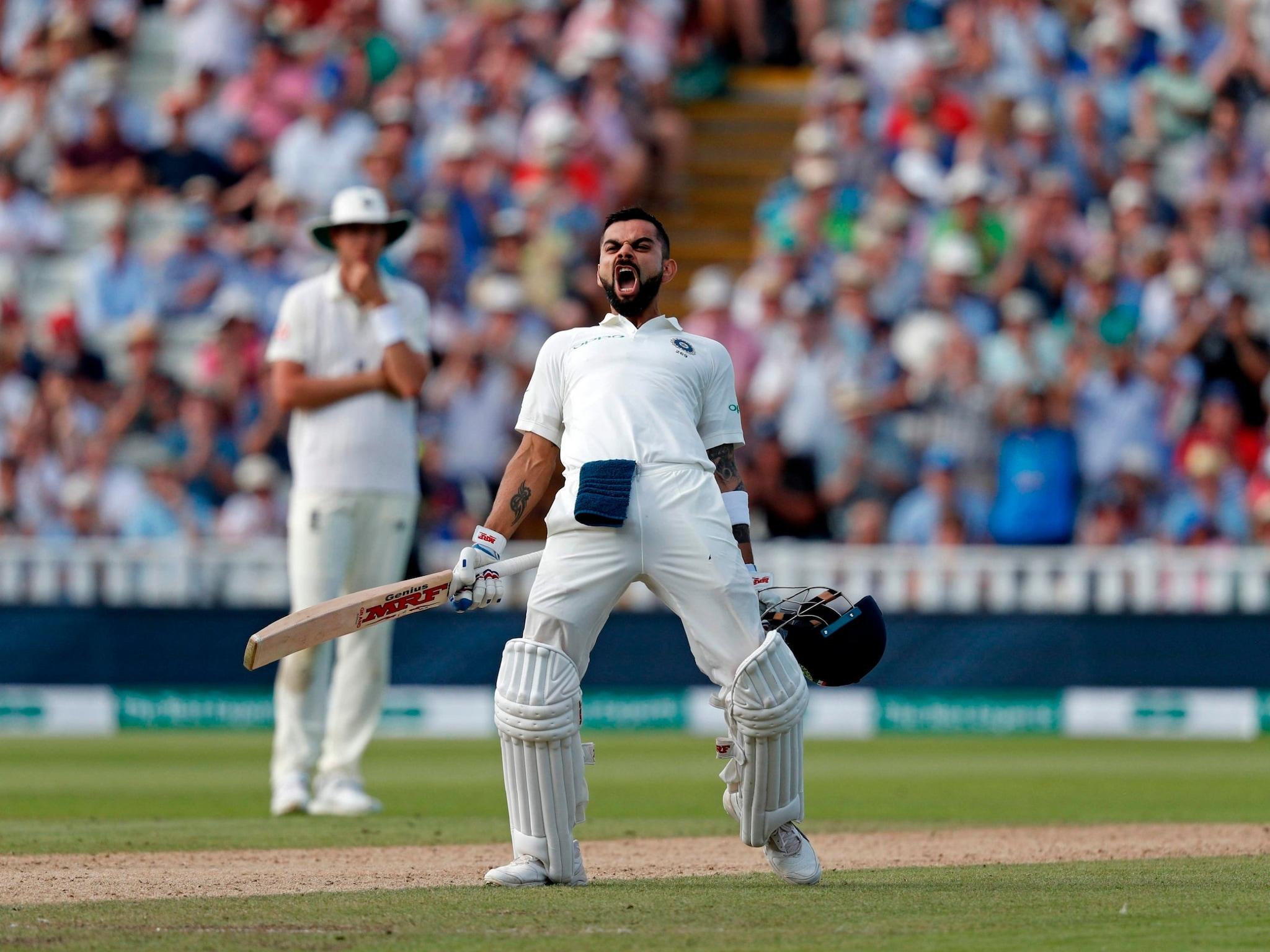 ಇದೀಗ ಇಂಗ್ಲೆಂಡ್ ವಿರುದ್ಧದ 3ನೇ ಟೆಸ್ಟ್ ಗೆಲುವಿನ ಮೂಲಕ ಟೀಮ್ ಇಂಡಿಯಾ ನಾಯಕ ವಿರಾಟ್ ಕೊಹ್ಲಿ ಭಾರತದಲ್ಲಿ 22 ಟೆಸ್ಟ್ ಪಂದ್ಯಗಳಲ್ಲಿ ಗೆಲುವಿನ ರುಚಿ ನೋಡಿದ್ದಾರೆ. ಅಲ್ಲದೆ ಇದು ಟೆಸ್ಟ್ನಲ್ಲಿ ಕೊಹ್ಲಿ ನಾಯಕತ್ವದಲ್ಲಿ 35ನೇ ಗೆಲುವು. ಈ ಮೂಲಕ ಭಾರತ ಪರ ಅತೀ ಹೆಚ್ಚು ಟೆಸ್ಟ್ ಪಂದ್ಯಗಳನ್ನು ಗೆದ್ದ ಕಪ್ತಾನ ಎಂಬ ಹಿರಿಮೆಗೂ ಕೊಹ್ಲಿ ಪಾತ್ರರಾಗಿದ್ದಾರೆ.