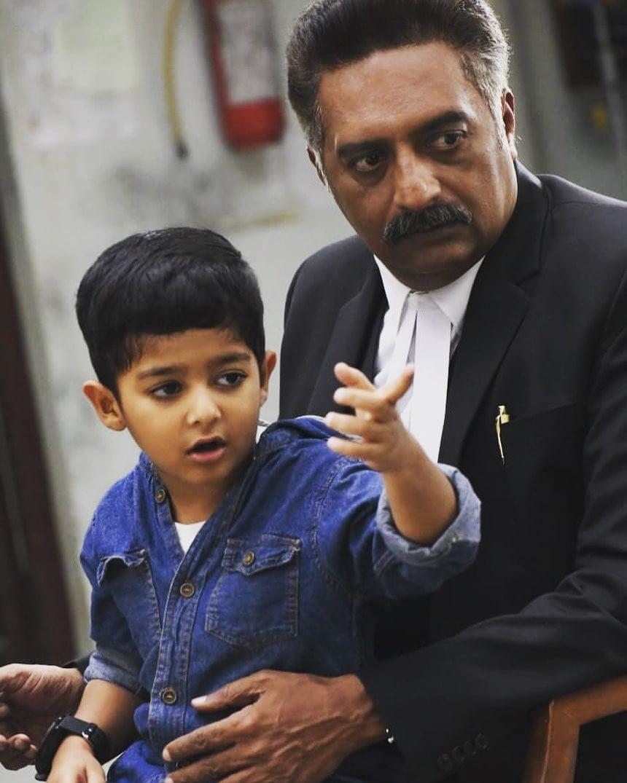 ಮಗನೊಂದಿಗೆ ಪ್ರಕಾಶ್ ರಾಜ್