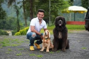 He quit his well-paid corporate job 6 years ago to groom dogs, and enjoys it every single day