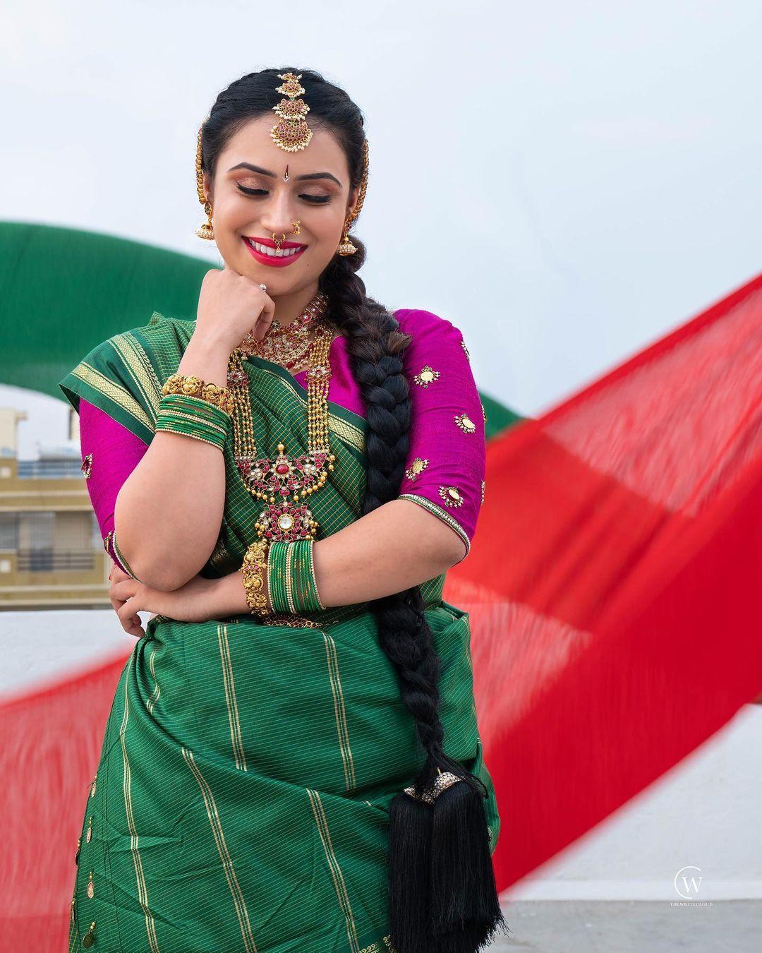ರಾಕೇಶ್ ಕಾಟ್ವೆ ನಟಿ ಶನಾಯಾ ಕಾಟ್ವೆ ಅವರ ಸಹೋದರ. ಈಗ ಸಹೋದರನ ಕೊಲೆ ಪ್ರಕರಣಕ್ಕೆ ಸಂಬಂಧಿಸಿದಂತೆ ನಟಿಯ ಬಂಧನವಾಗಿದೆ.