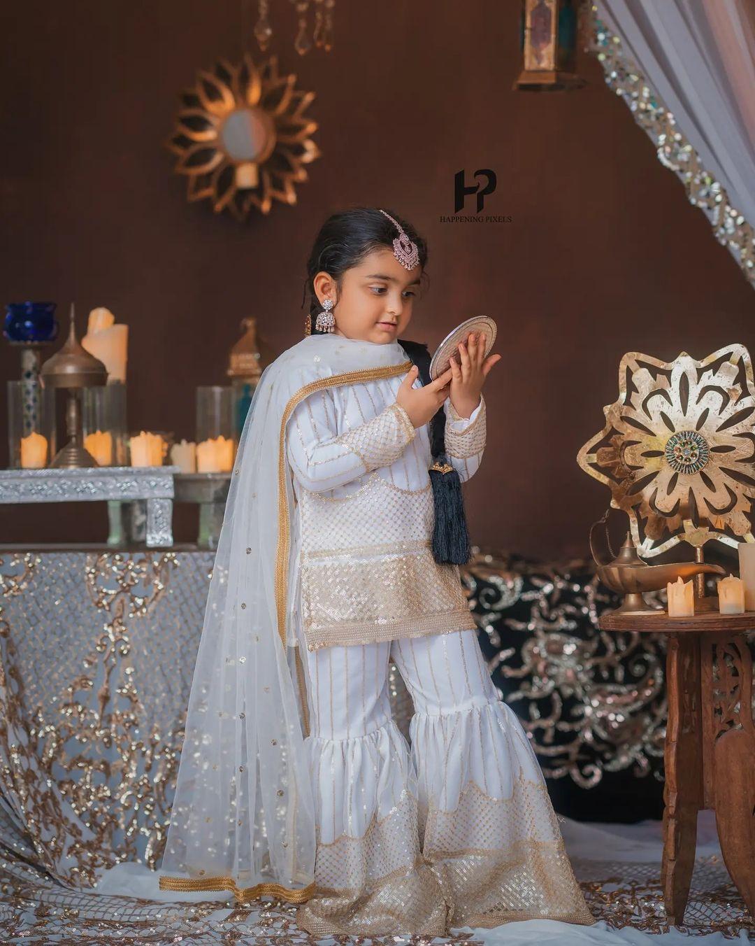 ಬಕ್ರೀದ್ ಹಬ್ಬದ ಫೋಟೋಶೂಟ್ನಲ್ಲಿ ಅಶ್ಮಿತಾ ಶ್ರೀವಾತ್ಸವ