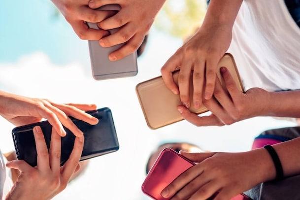 Phone Explodes: ಆನ್ಲೈನ್ ತರಗತಿಯ ಸಮಯದಲ್ಲಿ ಸ್ಮಾರ್ಟ್ಫೋನ್ ಸ್ಫೋಟಗೊಂಡು ವಿದ್ಯಾರ್ಥಿ ಸಾವು