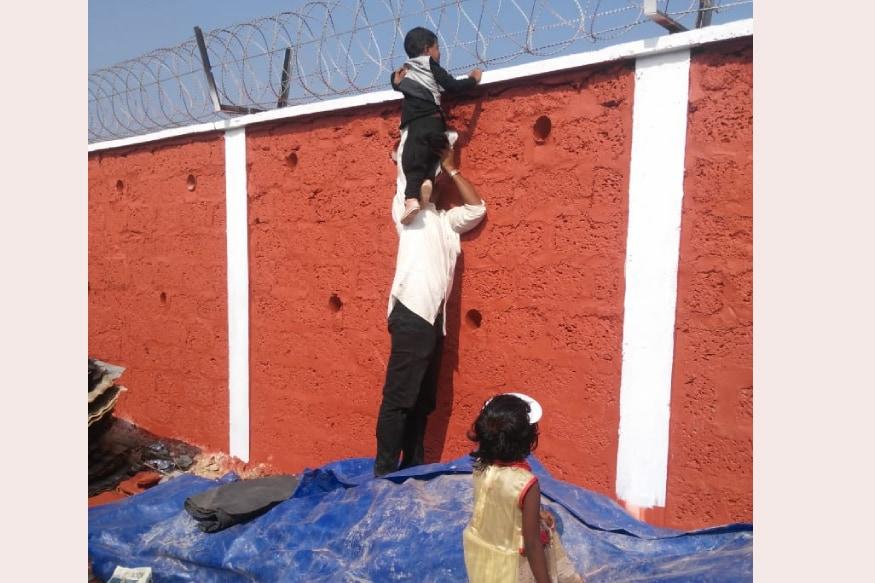 കാഴ്ചകൾ കാണുന്ന കുട്ടി. /കടപ്പാട്: സോഷ്യൽ മീഡിയ
