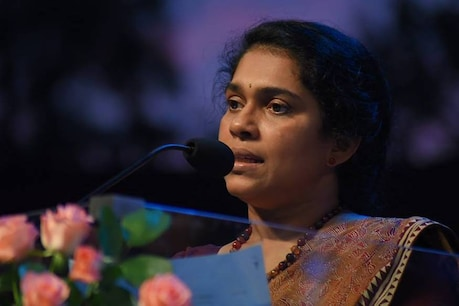 വിദേശയാത്ര തെരഞ്ഞെടുപ്പ് ചട്ടലംഘനം: ടൂറിസം സെക്രട്ടറി റാണി ജോർജിനെ സർക്കാർ തിരിച്ചുവിളിച്ചു