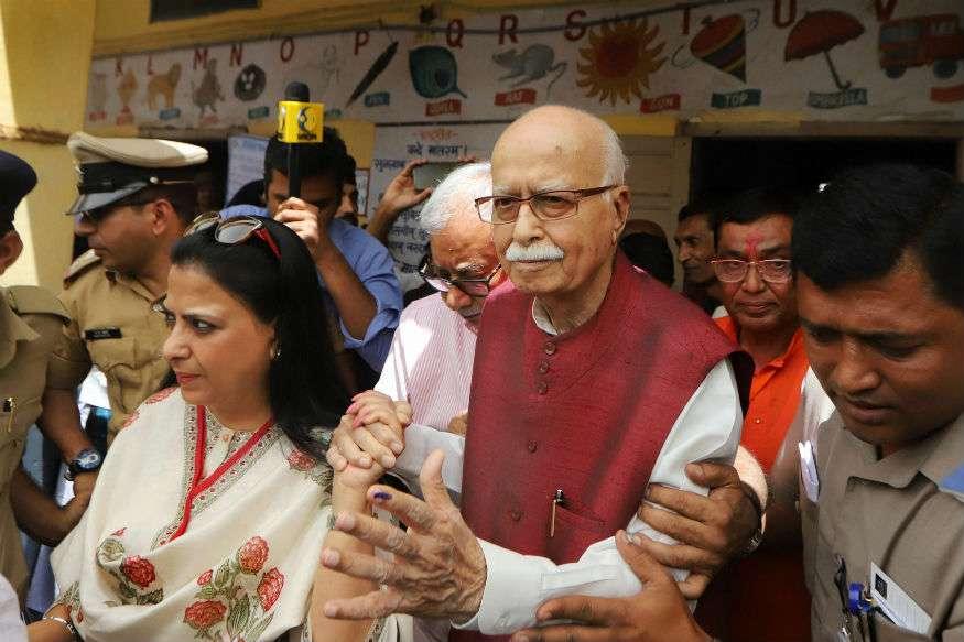 തെരഞ്ഞെടുപ്പിൽ ബിജെപി വിജയിക്കുമെന്ന് വോട്ട് രേഖപ്പെടുത്തിയ ശേഷം അദ്ദേഹം പറഞ്ഞു. ഇനി ഒരിക്കലും സ്ഥാനാർഥിയാകില്ലെന്നും അദ്ദേഹം പറഞ്ഞു. ഗാന്ധിനഗറിലെ സിറ്റിംഗ് എംപിയാണ് അദ്വാനി. ഇത്തവണ പാർട്ടി അധ്യക്ഷൻ അമിത്ഷായെയാണ് ഗാന്ധിനഗറിൽ സ്ഥാനാർഥിയാക്കിയത്. അദ്വാനിയെ തെരഞ്ഞെടുപ്പിൽ മത്സരിക്കുന്നതിൽ നിന്ന് ഒഴിവാക്കിയിരുന്നു.