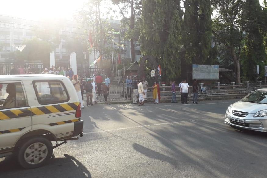 കോഴിക്കോട് ഗസ്റ്റ് ഹൗസിൽ തങ്ങുന്ന കോൺഗ്രസ് അധ്യക്ഷൻ രാഹുൽ ഗാന്ധിയും പ്രിയങ്കാ ഗാന്ധിയും ഒൻപത് മണിയോടെ വയനാട്ടിലേക്ക് തിരിക്കും