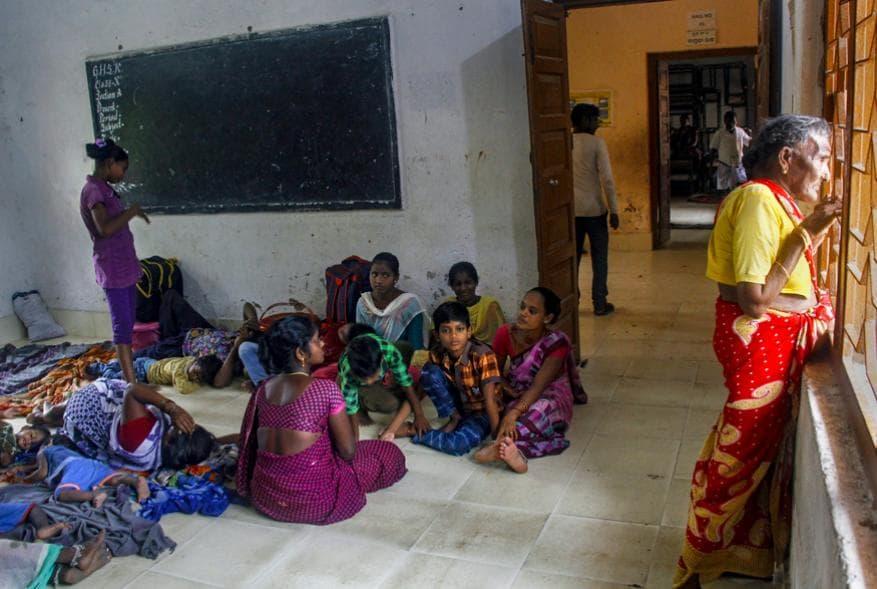 പുരിയിലെ താൽക്കാലിക സുരക്ഷാ കേന്ദ്രങ്ങളിൽ കഴിയുന്നവർ
