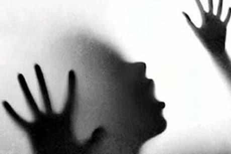 കൊല്ലത്ത് നാലു വയസുകാരി മരിച്ചു; അമ്മയുടെ മർദനമേറ്റിരുന്നുവെന്ന് കണ്ടെത്തല്
