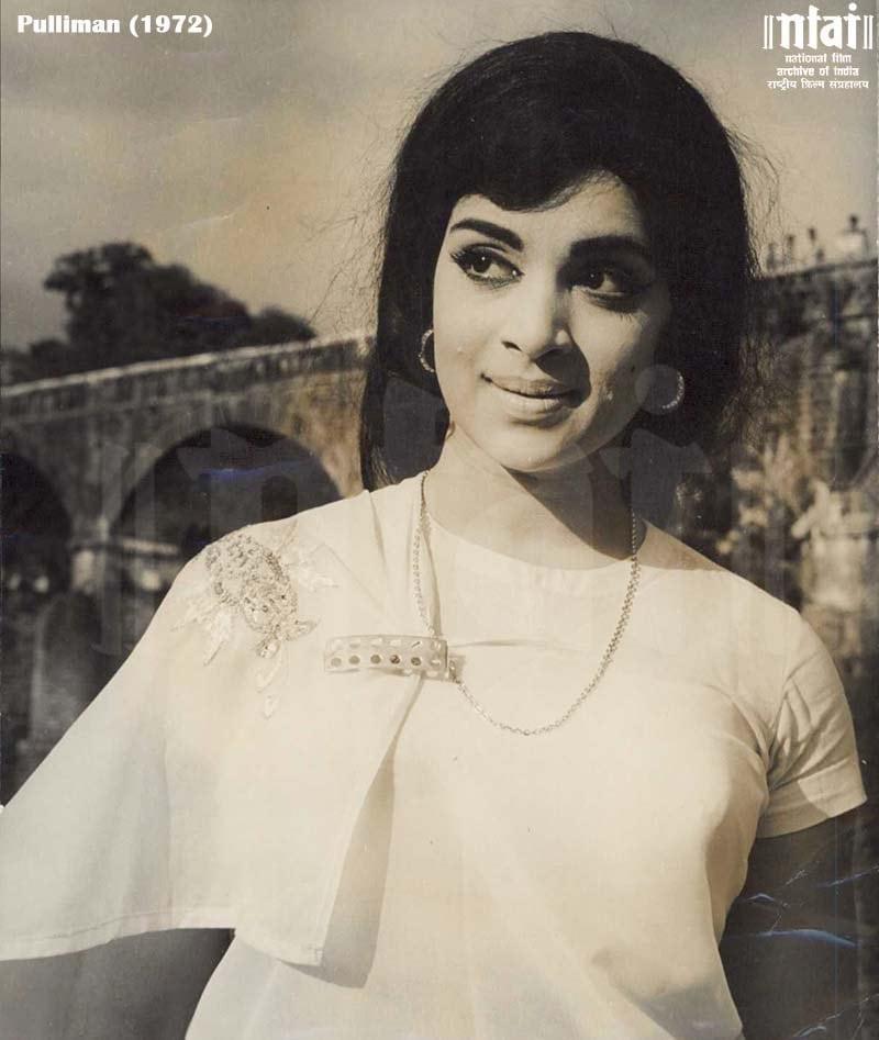 1946 ഫെബ്രുവരി 20 ന് തമിഴ്നാട്ടിലാണ് ജനിച്ചത്. 1957ൽ തെലുങ്ക് സിനിമയിൽ ബാലതാരമായിട്ടാണ് സിനിമ അരങ്ങേറ്റം.