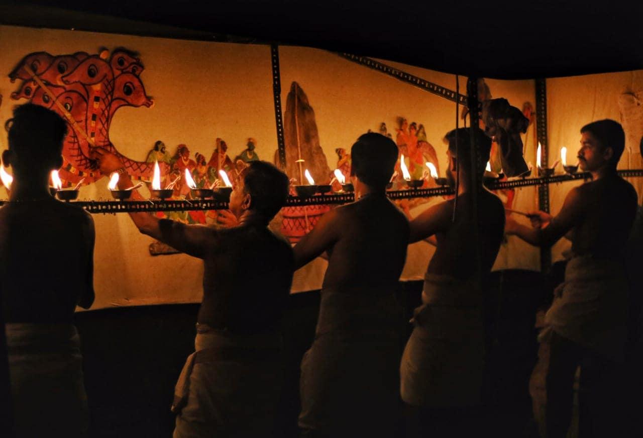 കൊച്ചി: വിപുലമായ പരിപാടികളുമായി കൊച്ചിയിൽ ഓണാഘോഷത്തിന് തിരിതെളിഞ്ഞു. പള്ളാത്തുരുത്തി രാമൻ സാംസ്ക്കാരികകേന്ദ്രത്തിൽ നടന്ന പരിപാടികളുടെ ഉദ്ഘാടനം കെ.ജെ മാക്സി എം.എൽ.എ നിർവ്വഹിച്ചു. ലാവണ്യം എന്ന പേരിൽ കൊച്ചിയിൽ ജില്ലാ ടൂറിസം പ്രൊമോഷൻ കൌൺസിൽ സംഘടിപ്പിക്കുന്ന ഓണാഘോഷത്തിന്റെ ഭാഗമായാണ് ഫോർട്ട് കൊച്ചിയിലും പരിപാടികൾ അരങ്ങേറിയത്. തുടർന്ന് വിവിധ പരിപാടികളും മത്സരങ്ങളും അരങ്ങേറി.