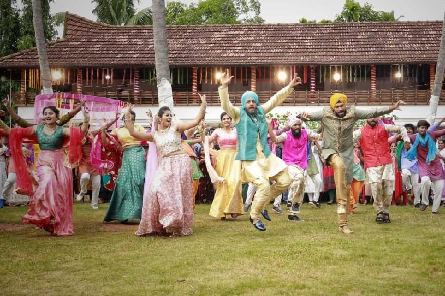 കാളിദാസ് ജയറാമിന്റെ തിയേറ്റർ റിലീസായ ഏറ്റവും ഒടുവിലത്തെ ചിത്രമാണ് സുധീപ്- ഗീതിക ദമ്പതികൾ സംവിധാനം ചെയ്ത 'ഹാപ്പി സർദാർ'. രണ്ടു സാംസ്കാരിക പശ്ചാത്തലത്തിലുള്ളവരുടെ പ്രണയമാണ് ഈ സിനിമ അവതരിപ്പിച്ചത്