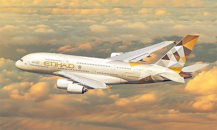 ചെലവ് ചുരുക്കല് നടപടിയുടെ ഭാഗമായാണ് വിൽപനയെന്നാണ് വിവരം. കരാറനുസരിച്ച് 38 വിമാനങ്ങള് 22 എയര്ബസ് എ 330, 16 ബോയിംഗ് 777-300 എന്നിവ വില്ക്കുമെന്ന് ഇത്തിഹാദ് അറിയിച്ചു. ഇതിൽ ബോയിംഗ് 777-300 ERS ഇത്തിഹാദിന് തന്നെ പാട്ടത്തിന് നല്കും. എയര്ബസ് എ 330 വിമാനങ്ങള്മറ്റു കമ്പനികൾക്ക് നൽകുമെന്ന് കെ.കെ.ആര് വ്യക്തമാക്കി.
