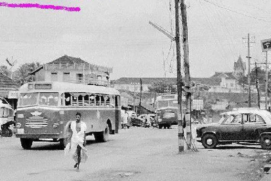 സംസ്ഥാനത്ത് പൊതുഗതാഗത സർവീസ് തുടങ്ങിയ ദിനമാണ് 'ബസ് ഡേ' ആയി ആചരിക്കുന്നത്. 83 വർഷം മുൻപ് 1938 ഫെബ്രുവരി 20 ന് ശ്രീ ചിത്തിര തിരുനാള് മഹാരാജാവാണ് 'ദ് സ്റ്റേറ്റ് മോട്ടോര് സര്വീസി'ന് തുടക്കം കുറിച്ചത്.