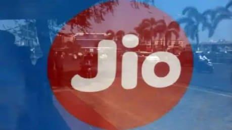 Reliance Jio; KKR & Co റിലയൻസ് ജിയോയിൽ   11,367 കോടി രൂപ നിക്ഷേപവുമായി കെകെആർ; സ്വന്തമാക്കുന്നത് 2.32 ശതമാനം ഓഹരി