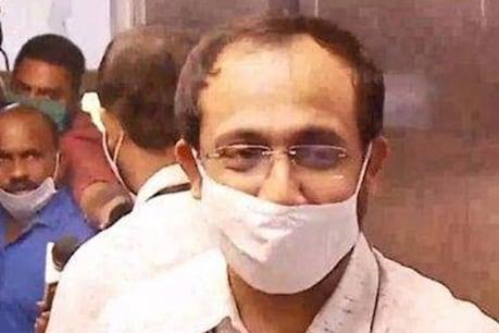 സ്വർണക്കടത്ത് |  ഇത് ഒരു ഒന്നൊന്നരം സ്ഥലം മാറ്റം; കസ്റ്റംസ് ജോയിന്റ് കമ്മീഷണറെ തിരുവനന്തപുരത്ത് നിന്ന് തട്ടിയത് നാഗ്പൂരിലേക്ക്