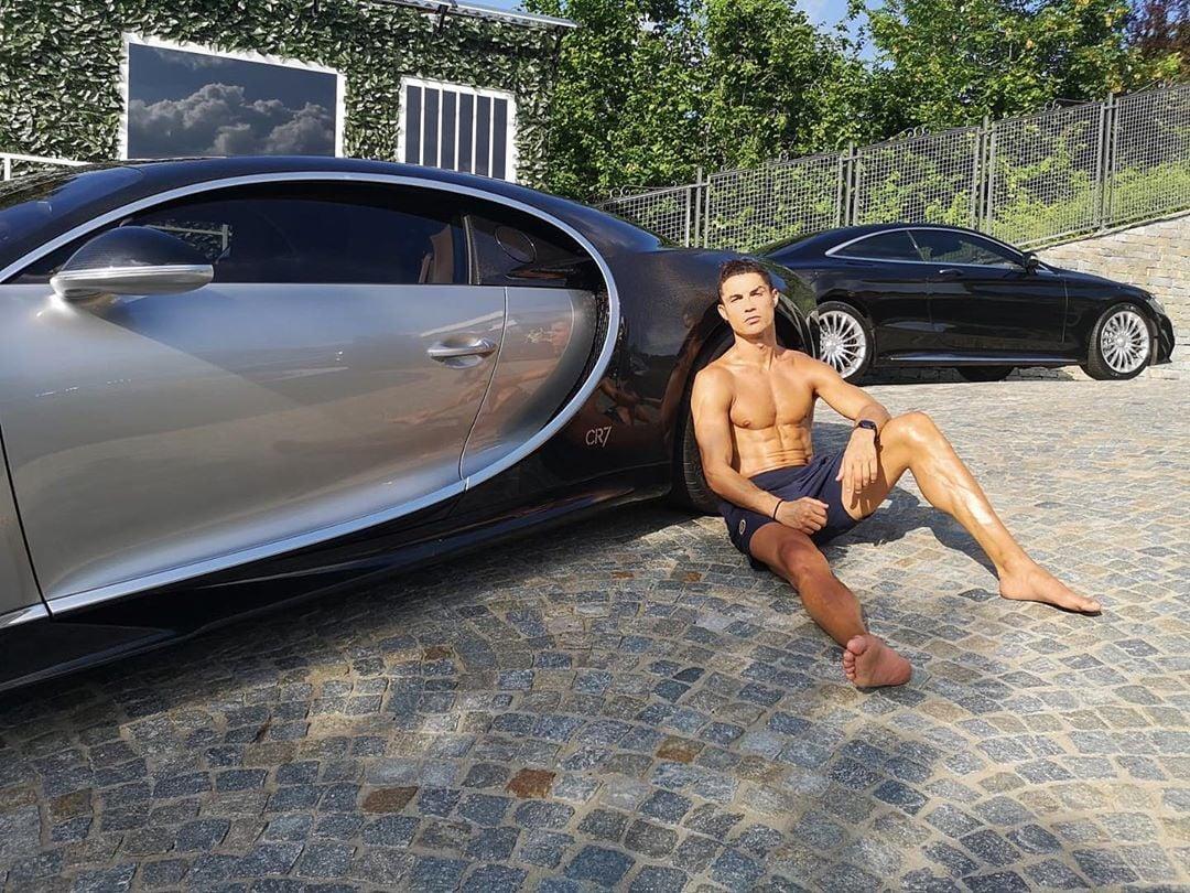 മണിക്കൂറിൽ 380 കിലോമീറ്ററാണ് ബുഗാട്ടി ലാ വോയ്റ്റര് നോയറിന്റെ വേഗത. (Image:Cristiano Ronaldo/Instagram)