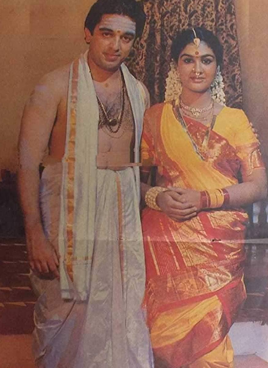 കമൽ ഹാസനും ക്രെയ്സി മോഹനും ചേർന്നായിരുന്നു മൈക്കിൾ മദന കാമരാജന്റെ രചന.സിംഗീതം ശ്രീനിവാസ റാവു ആയിരുന്നു സംവിധാനം