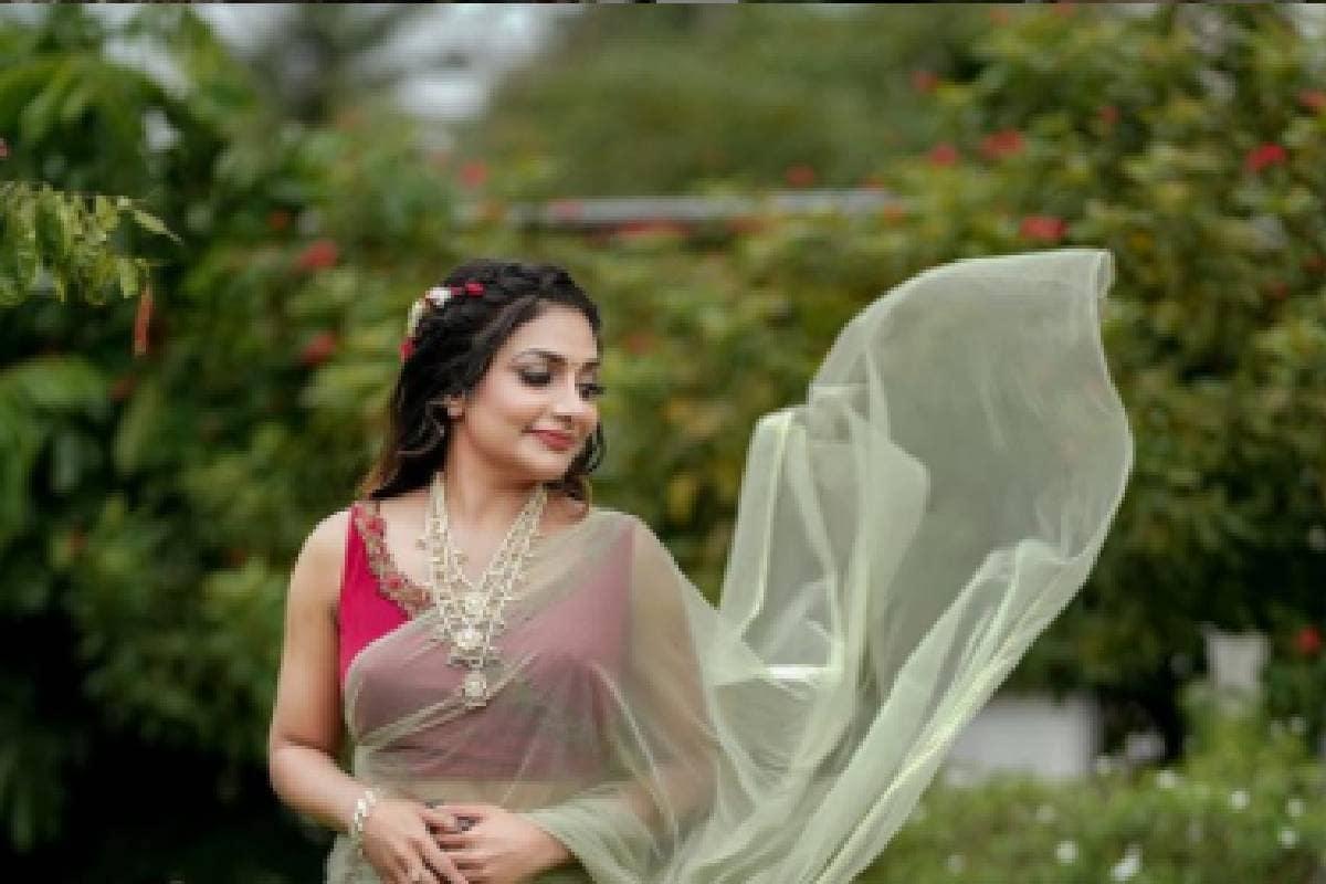 Malayalam News - Rimi Tomy | ആദ്യമായി സാരിയുടുത്ത കോളേജ് കുമാരി; പഴയകാല  ചിത്രവുമായി റിമി ടോമി | News18 Kerala, Film Latest Malayalam News |  ലേറ്റസ്റ്റ് മലയാളം വാർത്ത