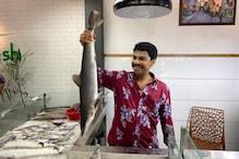 Vinod Kovoor | കൂട്ടുകാർക്കൊപ്പം മീൻ കച്ചവടം ആരംഭിച്ച് നടൻ വിനോദ് കോവൂർ