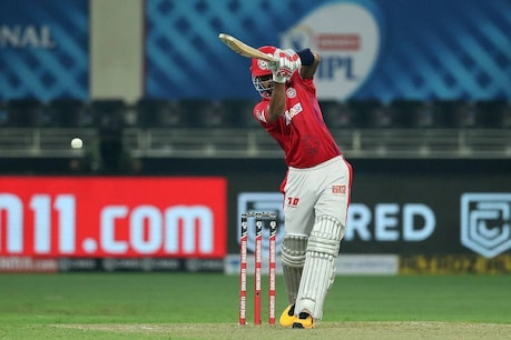 IPL 2020 | കോഹ്ലി വിട്ടുകളഞ്ഞത് രണ്ടുതവണ; റെക്കോർഡുകൾ തിരുത്തിക്കുറിച്ച് രാഹലിന്റെ പടയോട്ടം