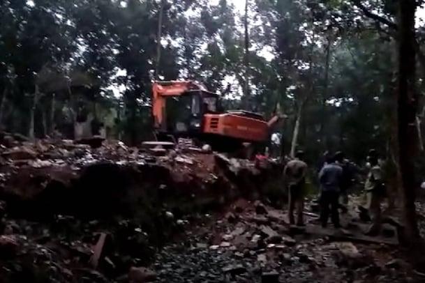 Breaking | മലയാറ്റൂരിൽ പാറമടയിൽ സൂക്ഷിച്ചിരുന്ന വെടിമരുന്ന് പൊട്ടിത്തെറിച്ച് രണ്ടു മരണം