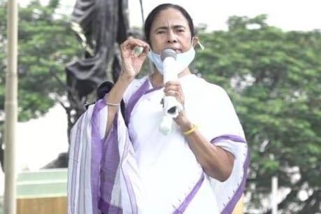 'ഇന്ത്യയ്ക്ക് നാലു തലസ്ഥാനം വേണം; എല്ലാം ഡൽഹിയിൽ ഒതുങ്ങുന്നു';  മമത ബാനർജി