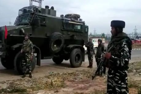 Encounter in Kashmir   കശ്മീരിൽ ഏറ്റുമുട്ടൽ; രണ്ട് ഭീകരരെ സൈന്യം വധിച്ചു